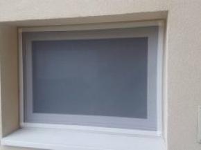 Fehér műanyag fix keretes szúnyogháló