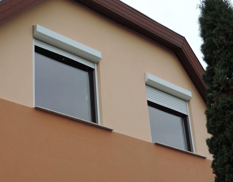 Veszprém megye műanyag ablak, energia hatékony műanyag nyílászáró Sümeg, új fa nyílászáró, fa ablakgyártó sümeg, Ablakos Sümeg, műanyag portál ablakkal Sümeg, Sümeg belső redőnytokos ablak cseréje, Redőnyös Sümeg