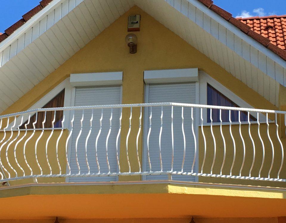 Komárom ablak beépítés, Komárom esztergom megye műanyag ablakok, Komárom fa ablakok, fa nyílászárók, Komárom műanyag nyílászárók, műanyag ablak összehasonlítás, Komárom nyílászáró, legolcsóbb műanyag nyílászárók