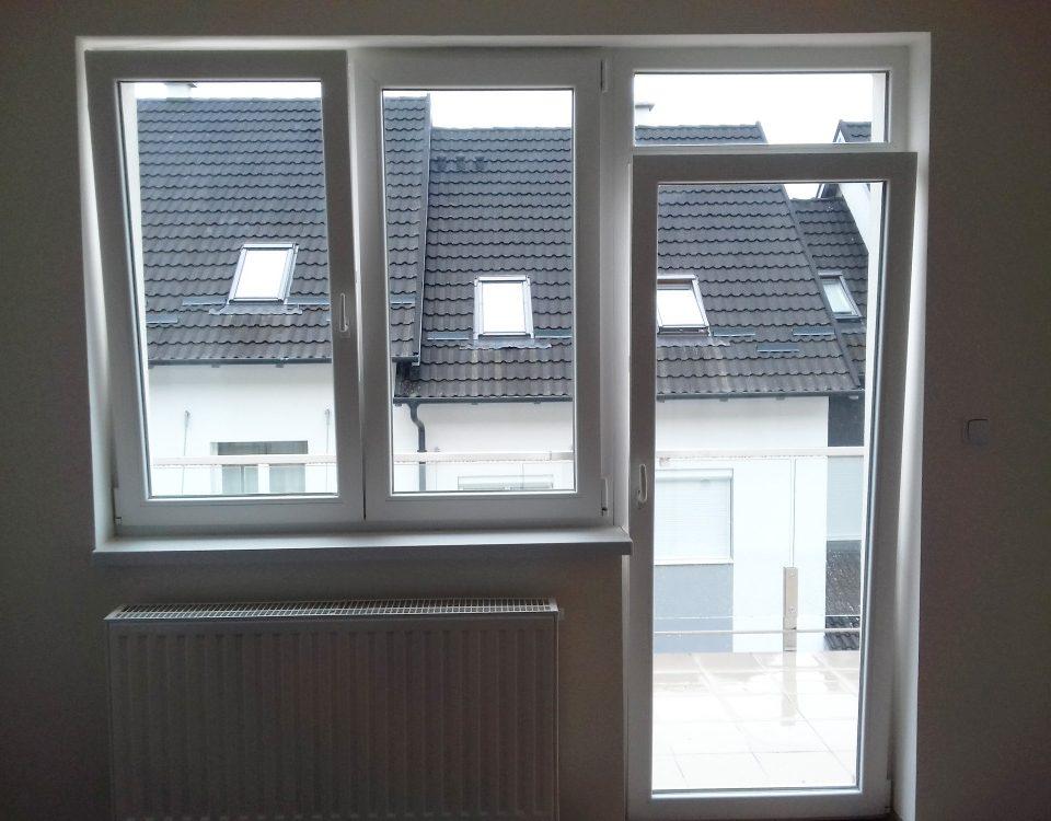 Városlőd ablakos, Városlőd redőnyös, Városlőd árnyékolás, Városlőd árnyékolástechnika, erkélyajtó Veszprém megye, műanyag kétszárnyú erkélyajtó árak, dupla szárnyú erkélyajtó redőnnyel, kifelé nyíló erkélyajtó