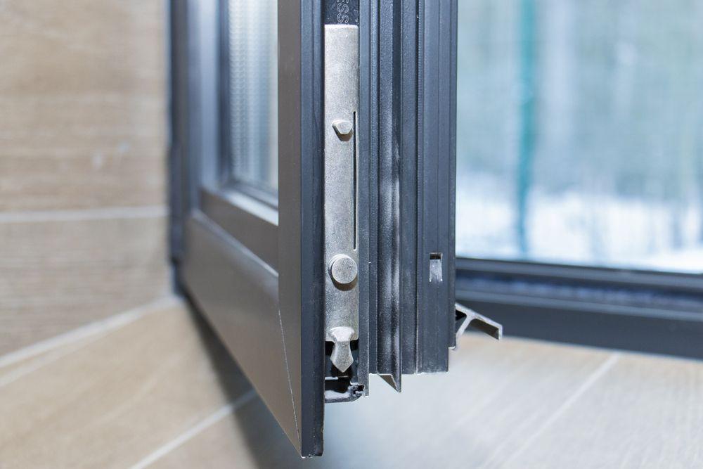 Csesznek ablakos, Csesznek redőnyös, Csesznek árnyékolás, Csesznek árnyékolástechnika, legjobb minőségű műanyag ablakok, műanyag ablak a legjobb áron, műanyag ablak ajtó árak, műanyag ablakok összehasonlítása