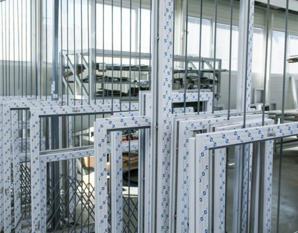 Tolna megye ablakos, Tolna megye redőnyös, Tolna megye árnyékolás, Tolna megye árnyékolástechnika, standard műanyag ablak méretek, 150x150 műanyag ablak redőnnyel, műanyag ablak egyedi méretben, műanyag ablak redőny